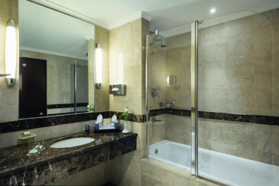 Al_Anwar_Madina_Madinah_Movenpick_Bath