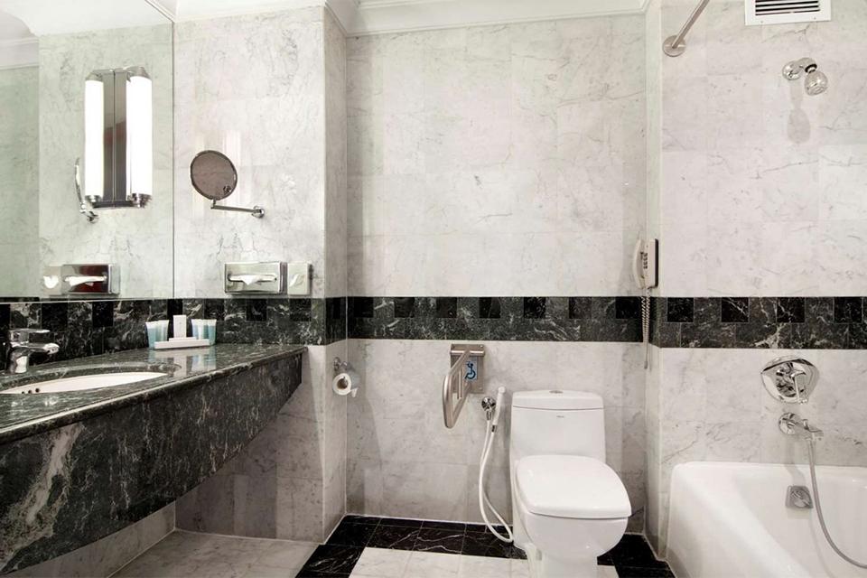 Madinah_Hilton_Bath_0011
