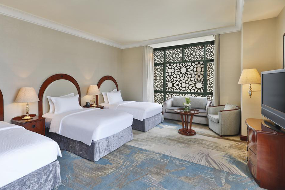 Madinah_Hilton_Room_001