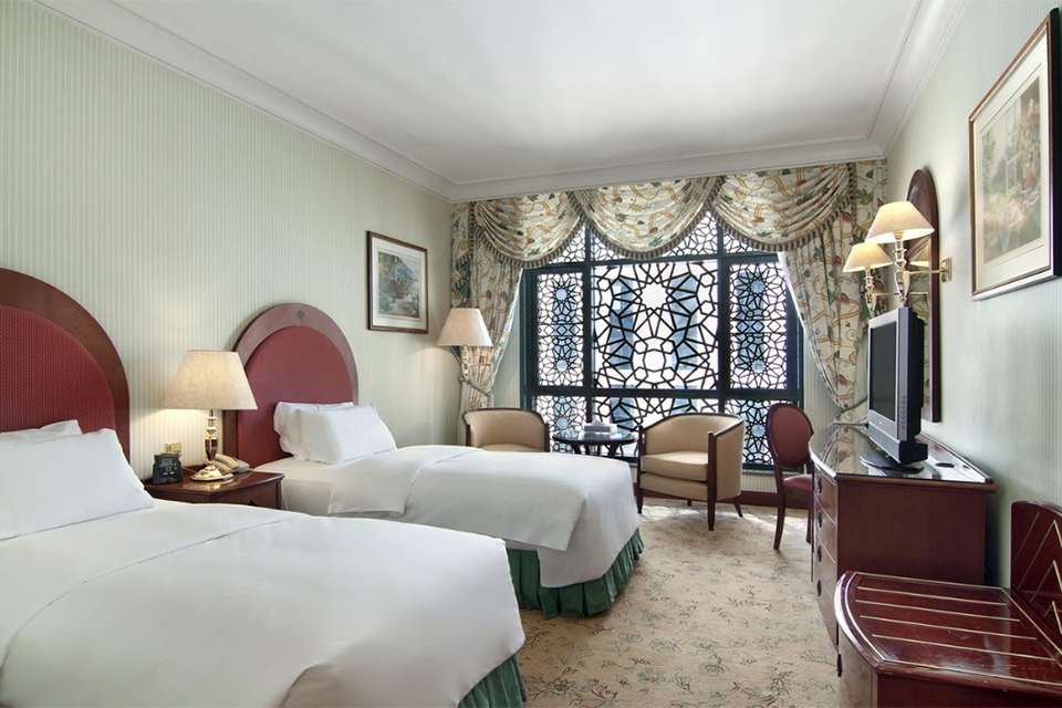 Madinah_Hilton_Room_003